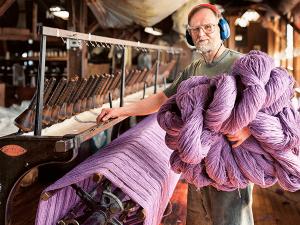 Різноробочі на фарбувальний завод пряжі