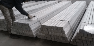 Різноробочі - виготовлення бетонних стовпів